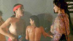 Красотка Орнелла Маркуччи снялась голой в фильме «Все леди делают это» фото #1