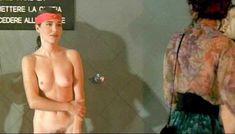 Красотка Орнелла Маркуччи снялась голой в фильме «Все леди делают это» фото #3