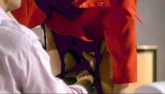 Красотка Орнелла Маркуччи снялась голой в фильме «Все леди делают это» фото #9