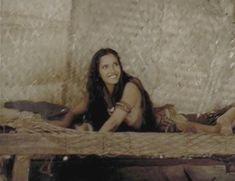 Красивая Падма Лакшми засветила грудь в фильме «Пираты» фото #1