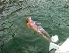 Памела Андерсон в порно «Пэм и Томми Ли: Украденный медовый месяц» фото #16