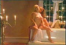 Голая Пегги Трентини в сериале «Бордель в Беверли Хиллз» фото #1