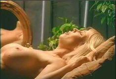 Голая Пегги Трентини в сериале «Бордель в Беверли Хиллз» фото #7
