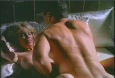 Голая Пегги Трентини в сериале «Бордель в Беверли Хиллз» фото #11