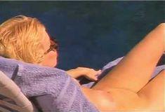 Голая Пегги Трентини в сериале «Эротические признания» фото #1