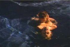 Голая Пегги Трентини в сериале «Эротические признания» фото #8