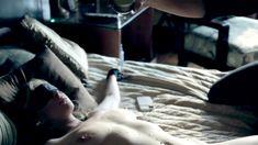 Полностью голая Пенни Пакс в фильме «Подчинение Эммы Маркс» фото #76