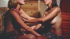 Красивая Ребекка Брук снялась голой в фильме Lauras Toys фото #14