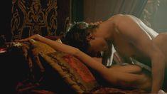 Голая Ребекка Фергюсон в сериале «Белая королева» фото #8