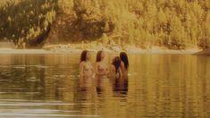 Голая Робин Сидни в фильме «Заколдованное озеро» фото #9