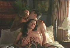 Голая Саманта Филлипс в сериале «Сказки на ночь» фото #5