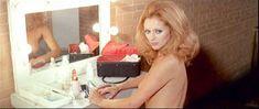 Полностью голая Сибил Даннинг в фильме «Красная королева убивает семь раз» фото #3