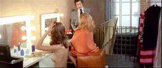 Полностью голая Сибил Даннинг в фильме «Красная королева убивает семь раз» фото #4