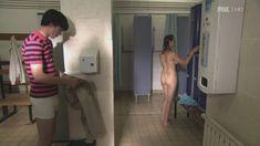 Голая Сиван Моррис в сериале «Молокососы» фото #2