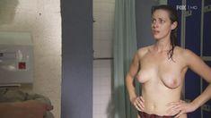 Голая Сиван Моррис в сериале «Молокососы» фото #3