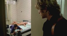 Голая Сильвия Дионисио в фильме «Живи как полицейский, умри как мужчина» фото #6