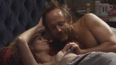 Голая Синтия Никсон в сериале «Большая буква «Р»» фото #8