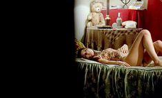 Полностью голая Соледад Миранда в фильме «Эжени» фото #11