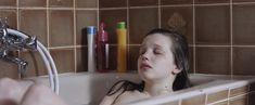 Голая Солен Риго в фильме «Юная любовь» фото #5