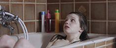 Голая Солен Риго в фильме «Юная любовь» фото #7