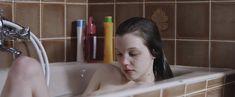 Голая Солен Риго в фильме «Юная любовь» фото #8