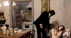 Голая грудь Сони Вивиани в фильме A Man Called Magnum фото #8
