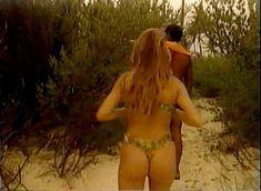Красотка София Вергара оголила грудь и попу для Sofia Vergara Swimsuit Calendar Video фото #9
