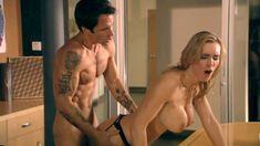 Полностью голая Таня Тейт в фильме Birthday Sex фото #14