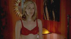 Голая грудь Теа Гилл в сериале «Близкие друзья» фото #13
