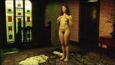 Тони Коллетт снялась полностью голая в фильме Lilians Story фото #2