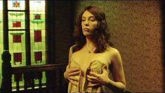 Тони Коллетт снялась полностью голая в фильме Lilians Story фото #4