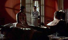 Полностью голая Тони Коллетт в фильме «8 1.2 женщин» фото #4