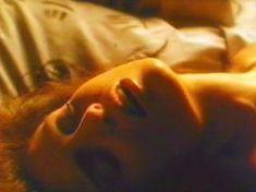 Голая Трэйси Скоггинс в фильме «Разыграй для меня убийство» фото #9