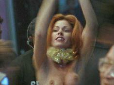 Голая Тэмми Паркс в фильме «Тихие дни в Голливуде» фото #3