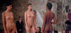 Полностью голая Уте Лемпер в фильме «Высокая мода» фото #1