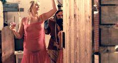 Красотка Хадевих Минис засветила грудь в фильме «Моя королева Каро» фото #5