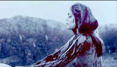Голая грудь Ханны Р. Холл в фильме «Ускользающее счастье» фото #32