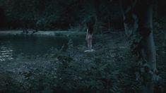 Голая Хейли Этвелл в сериале «Столпы Земли» фото #1