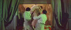 Голая Хелен Миррен в фильме «Повар, вор, его жена и её любовник» фото #17