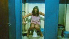 Полностью голая Шарлотт Александра в фильме «Настоящая девчонка» фото #5