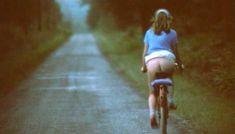 Полностью голая Шарлотт Александра в фильме «Настоящая девчонка» фото #20