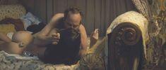 Голая Шарлотта Ле Бон в фильме «Большой злой волк» фото #2