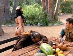 Страстная Шэннан Ли снялась голой в фильме «Девственницы Шервудского леса» фото #18