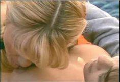 Голая Эмбер Ньюман в сериале «Бухта страсти. Восходящие звезды» фото #13