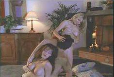 Голая Эмбер Ньюман в сериале «Бухта страсти. Восходящие звезды» фото #18