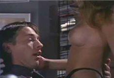Голая Эмбер Ньюман в фильме «Скандалы. Законное преступление» фото #1