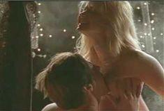 Голая Эми Линдсей в сериале «Бордель в Беверли Хиллз» фото #22