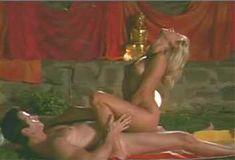 Голая Эми Линдсей в сериале «Лучший секс в вашей жизни» фото #7