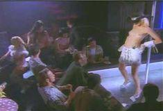 Голая Эми Линдсей в сериале «Эротические признания» фото #1