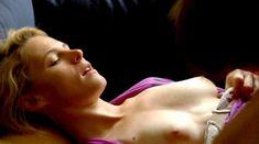 Эми Саймец засветила грудь в фильме «Александра Последняя» фото #3